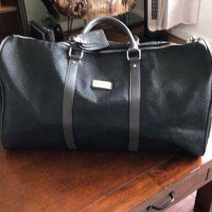 Mezzi Black Weekender Bag